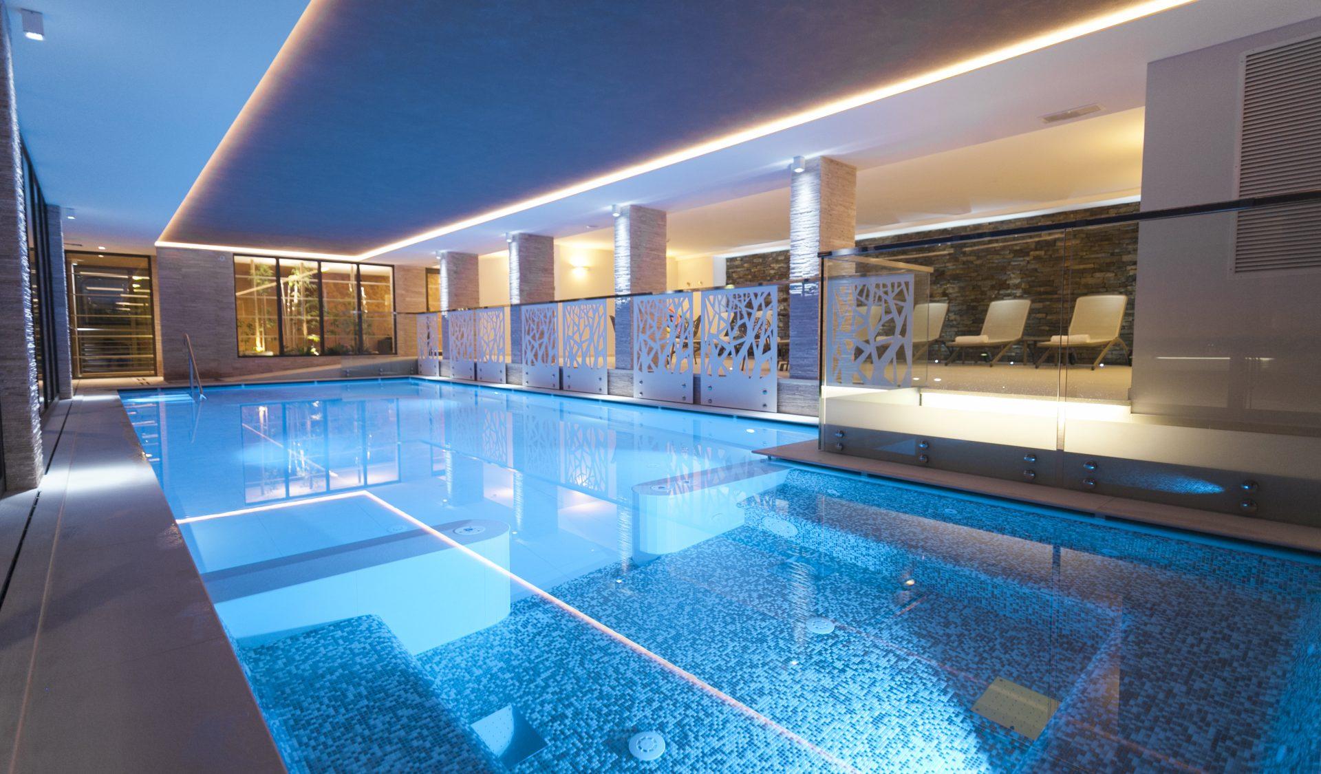 Hotel con piscina coperta a Pinzolo